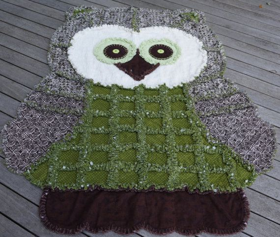 OWL RAG QUILT, African Print and calla lily green, Childs Rag Quilt, Keepsake Quilt, Bedspread or Wall hanging,Animal Rag Quilt