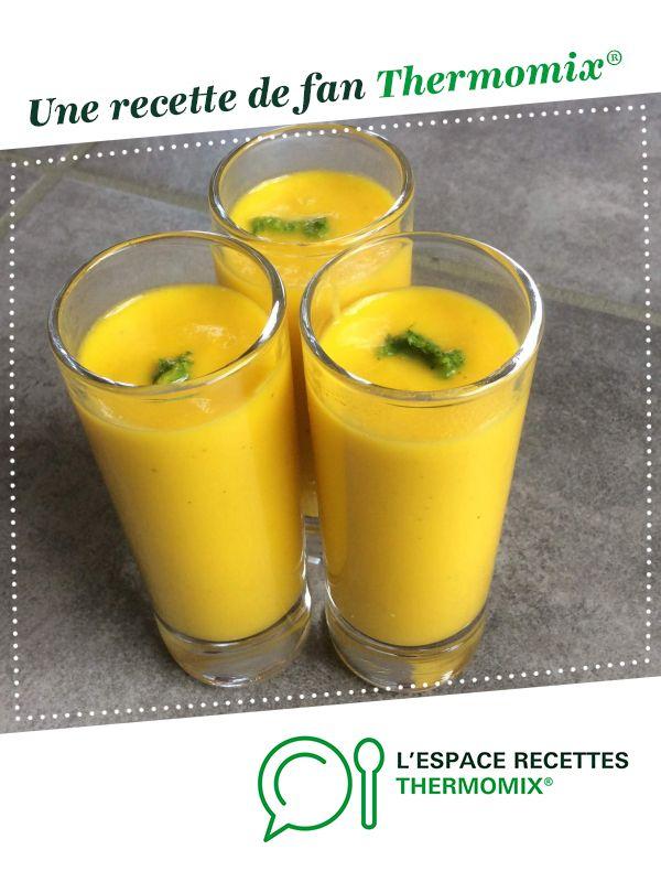 Soupe froide carotte, coco, citron vert par oupslala25. Une recette de fan à retrouver dans la catégorie Soupes sur www.espace-recettes.fr, de Thermomix<sup>®</sup>.