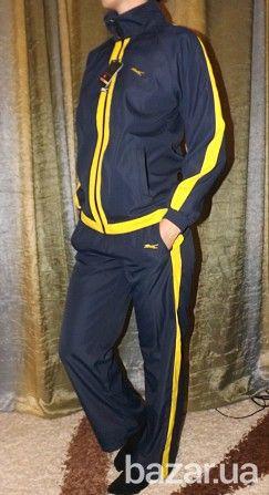 Женский спортивный костюм тройка : брюки   олимпийка   жилетка Жилетка двусторонняя ( желтая и синяя стороны), Олимпийка и штаны на подкладке....