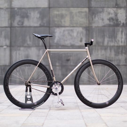 #bike #fixie #fixedgear #pista