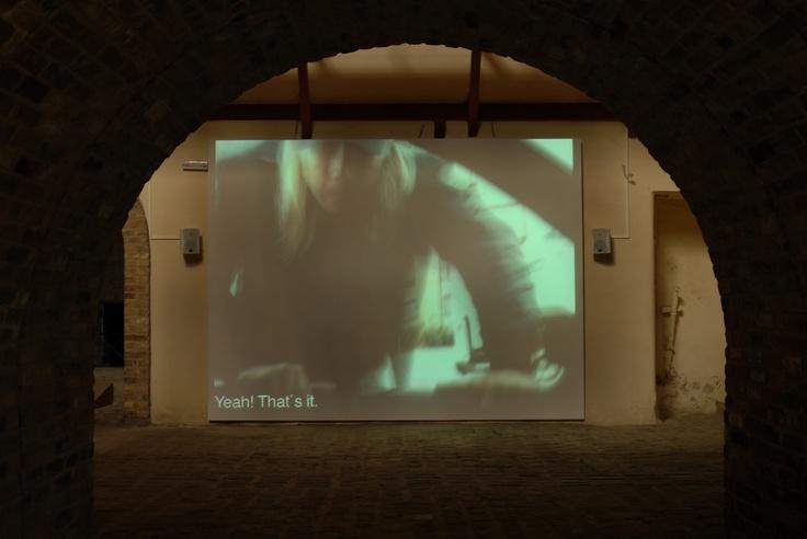 Narve Hovdenakk Neo-Man, 2005 Video 3΄ 30΄΄ Film stills Courtesy of the artist