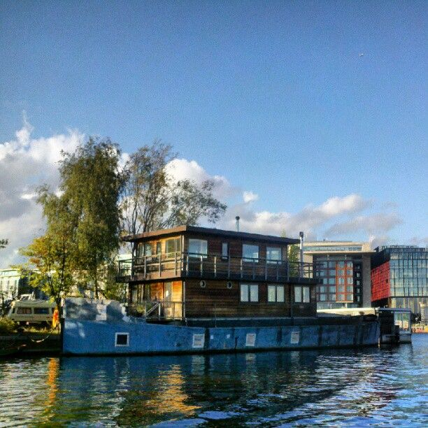 17 best ideas about houseboat amsterdam on pinterest for Houseboat amsterdam