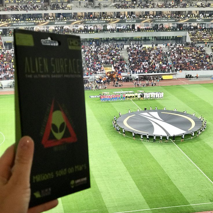 👽#AlienSurface™ pe 🏟#ArenaNațională a României!🇹🇩  ⚽️Tu te uiți la meci?😃  🤝www.aliensurface.ro