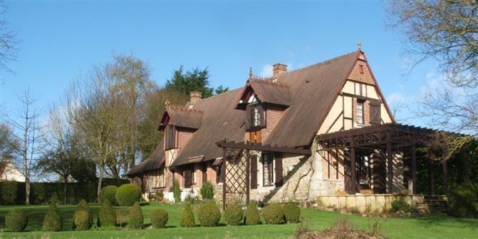 Vente Maison GACE - Coup de coeur pour cette magnifique normande.
