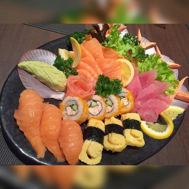 Japanese parade #sushi #sashimi #food #japanesefood #foodporn #foodstagram…