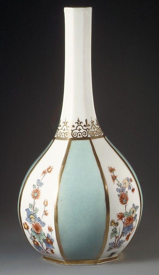 Bottle Meissen Manufactory ca. 1730