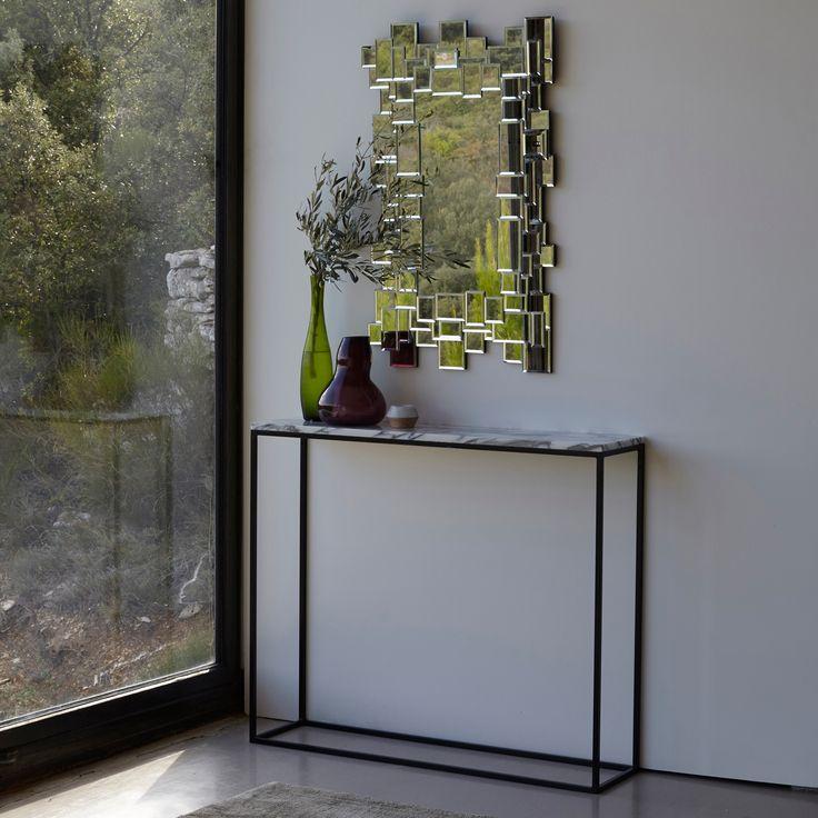 Miroir Hamlet AM.PM : prix, avis & notation, livraison. Cerné d'une mosaïque multi miroirs, il offre un superbe effet visuel, démultipliant les jeux de réverbération. Verre miroir sur MDF. L.50 x P.1,3 x H.80 cm.