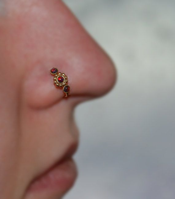 SMALL 2mm Opal Flower NOSE RING // Ear / by PjCreationsStudio
