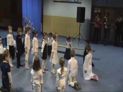 Wystep klasy 0c z okazji dnia Babci i Dziadka w Szkole podstawowej nr 5 im. Adama Wodziczki w Swarzedzu