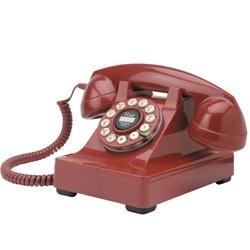 Serie 302 Rode Retro Telefoon. De iconische type 302 telefoon is ontworpen door de productieve industrieel ontwerper Henry Dreyfuss en geïntroduceerd in 1937. Hij gebruikte oor tot mond metingen van 2000 mensen om de ergonomische handset te creëren.