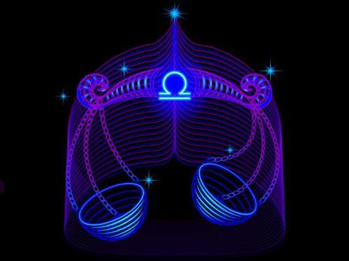 Весы – довольно сложный для понимания знак, и эту сложность хорошо иллюстрирует миф о рождении управительницы Весов – Афродиты. Ее отец, Уран, был низвергнут в Океан, в бессознательное или чувствен…