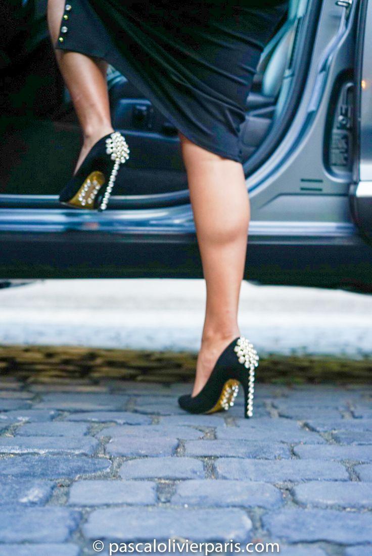 Pascal Olivier Paris. You saved to Swarovski Shoes, Pascal Olivier Paris. #pascalolivier #sunglasses #fashion #fashionblogger #sunglasses #shoes #newyorkfashionweek #nyfw #milanfashionweek #mfw #rhinestones #parisfashionweek #pfw #instafashion #instamood #ootd #choker #models #swarovsky #leather #suede #velvet #heels #stilletos #gold