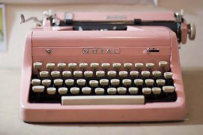 old school. : Stuff, Style, Pink Vintage, Vintage Pink, Vintage Wardrobe, Vintage Typewriters, Pink Typewriters, Things, Pretty