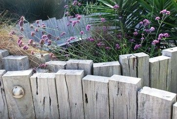 Low wood fence! Outdoor Design Ideas, Pictures, Remodels and Decor. Garden elements.