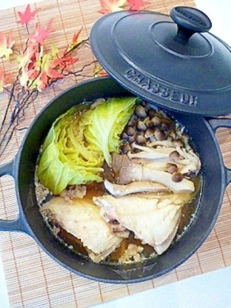 フグにも負けない美味しさ☆鉄板のカワハギ鍋レシピ ベスト10 ... 塩麹と肝で濃厚スープ☆カワハギのキャベツ鍋