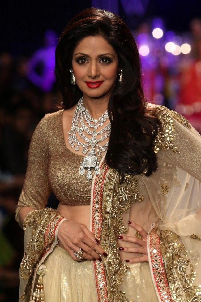 Sridevi dazzled the ramp wearing a regal diamond Raani Haar at the Indian International Jewellery Week 2014. #Style #Bollywood #Fashion #Beauty #IIJW