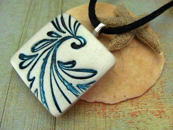 Items similar to Collar de joyería de la arcilla del polímero ondas azul y blanca mano inspirada asiática estampada la joyería del arte on E...