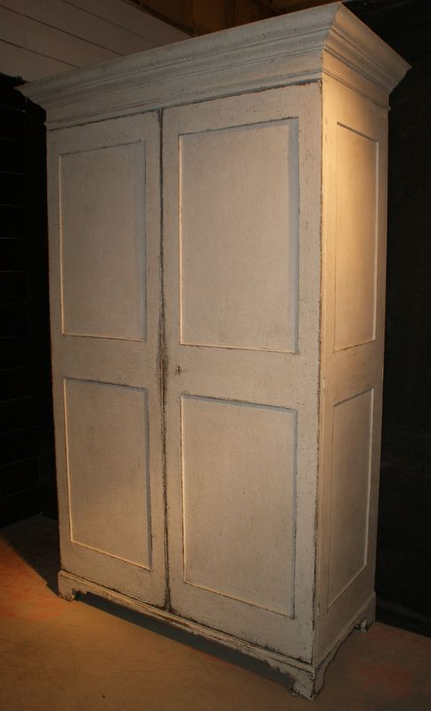 Lovely Georgian painted antique pine linen cupboard. 1790 - 106 Best Antique Cupboards Images On Pinterest Antique Cupboard