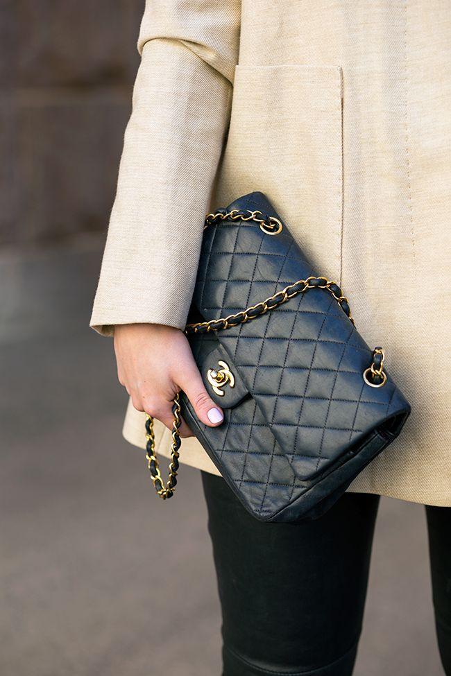 Uno de los clásicos más deseados. Bolsa Chanel 2.55.