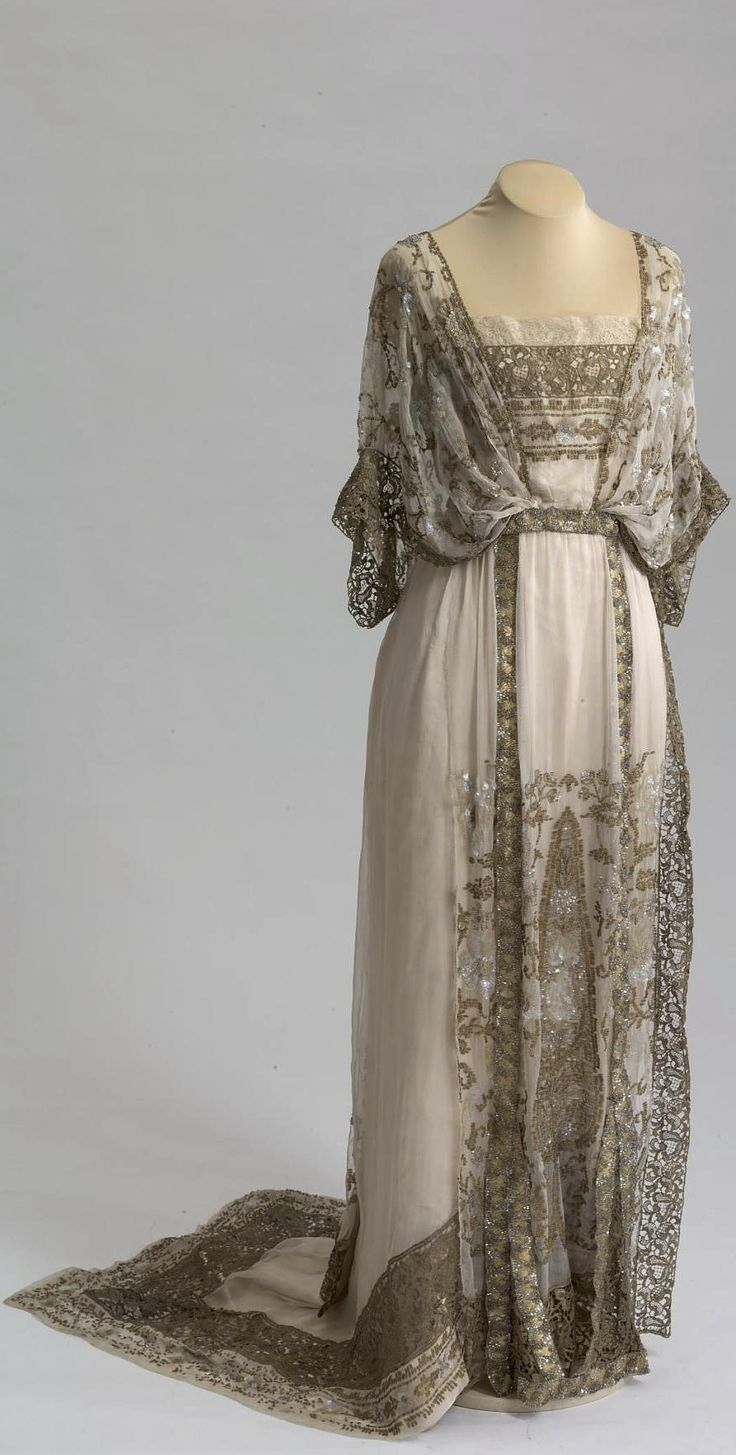 Ball gown belonging to V. V. Karakhan. Made by Callot Soeurs, Paris. 1911-13. Chiffon, satin, sequins, galloon, beads, metallic lace. Collection of State Hermitage Museum.