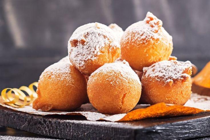 Le frittelle di carnevale veneziane sono amatissime da grandi e piccini, si possono farcire in tanti modi per accontare tutti. Ecco la ricetta