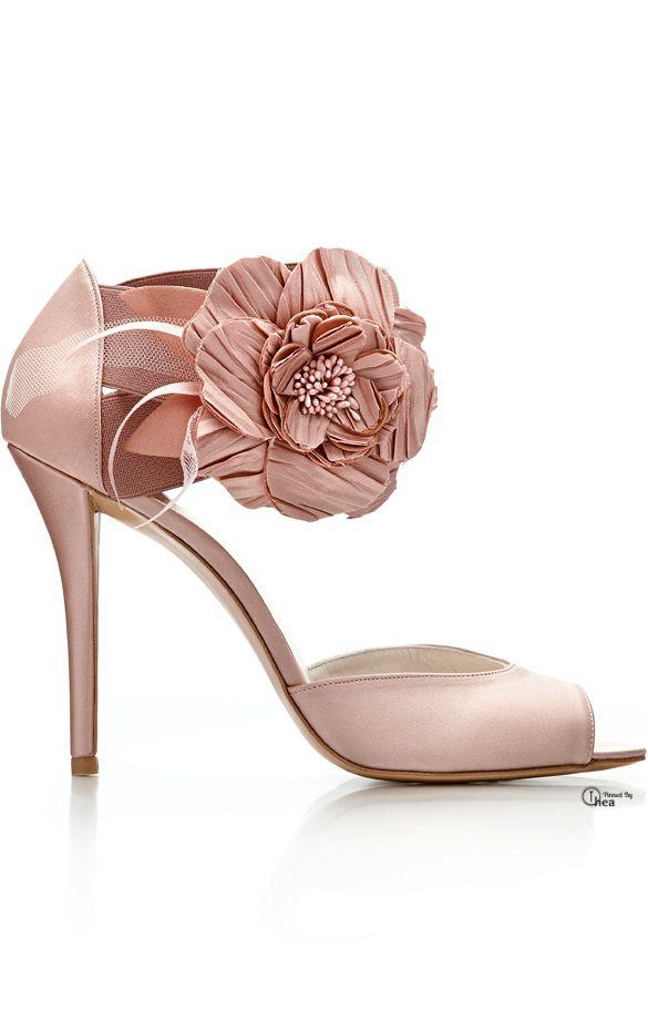 Stuart Weitzman | blush wedding shoes | blush wedding