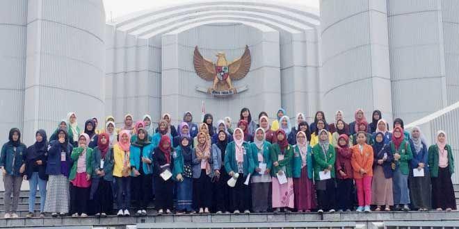 Edupost.id, Bandung – Forum perempuan BEM Seluruh Indonesia (SI) menggelar Konsolidasi Nasional (Konsolnas), (14-15/6) di Universitas Tekom, Bandung. Konsolidasi yang diikuti perwakilan dari 50…