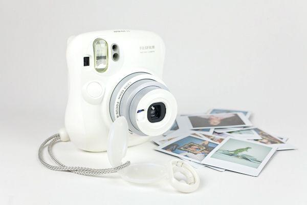 Máy Ảnh Fujifilm Instax 25  Trắng Giả Rẻ Nhất