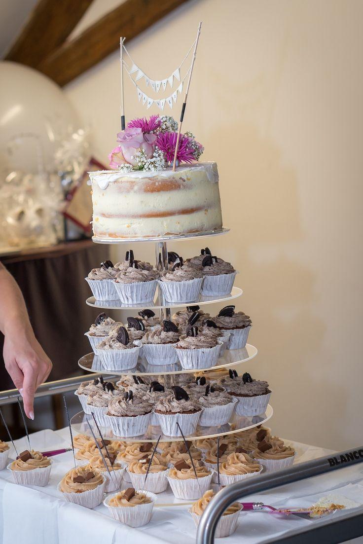 Hochzeitstorte | Hochzeitscupcakes | Vintage Torte http://www.the-inspiring-life.com/2016/12/wir-haben-ja-gesagt.html #hochzeitstorte #vintage #hochzeitscupcakes