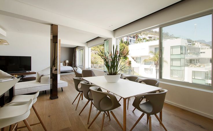 Client: Espresso Design - Country: South Africa - City: Clifton, Cape Town - Year of creation: 2016 - Project with: Make Architects + Interiors Studio - Winner of the Liebherr Kitchen design award 2016.