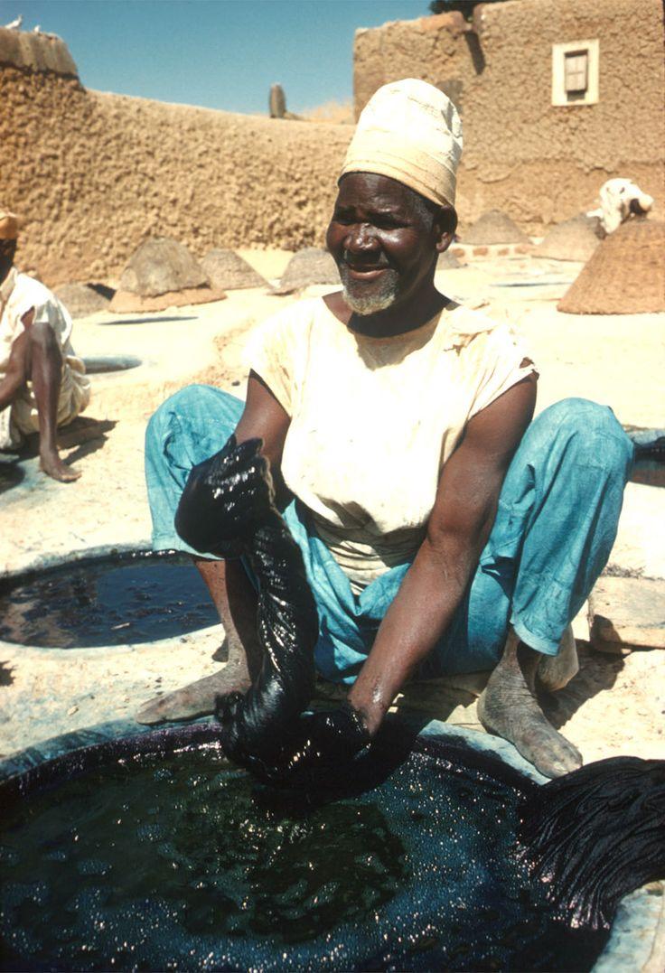 Africa Hausa Man At Indigo Dye Pits Kano Nigeria Ca