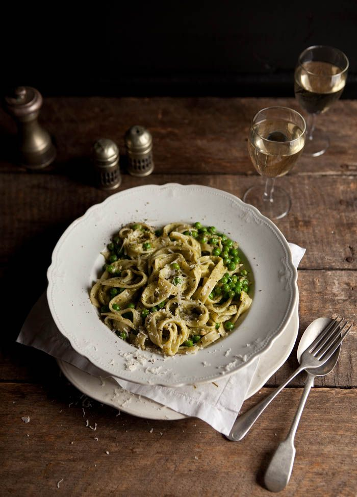 Pasta with Creamy Basil Pesto and Peas | Veggie Heaven! | Pinterest