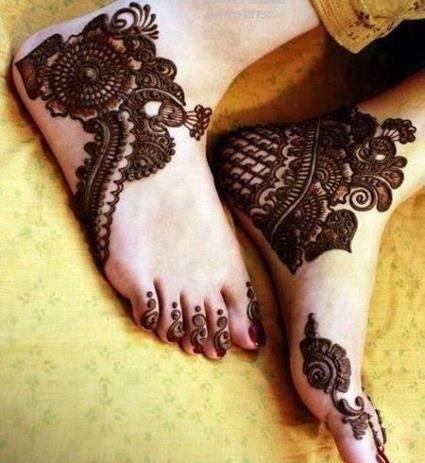 Henna on Brides feet #mehndi