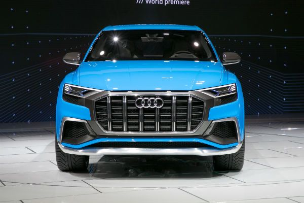 2018 Audi Q8 is an SUV that will be produced by Audi from 2018 in order to compete with the BMW X6, Mercedes-Benz GLE Class or Range Rover Sport. 2018 Audi Q8 price is estimated at € 66 000 while taking again the technical characteristics of Audi Q7. The sports version SQ8 is also planned...  http://www.gtopcars.com/makers/audi/2018-audi-q8/