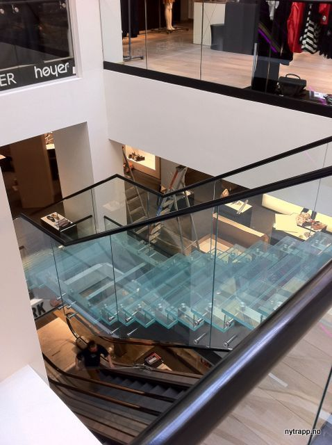 Eger Karl Johan | glass stair