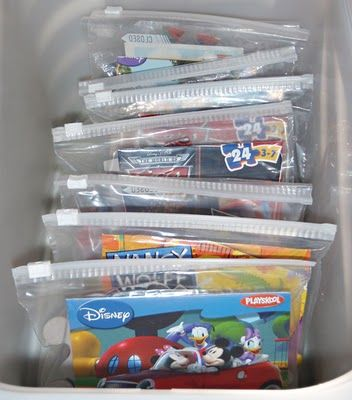 Cut the cover of a puzzle box and store it with the pieces in a ziploc bag. # Pin++ for Pinterest #