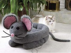 Uma cama de gato em crochê