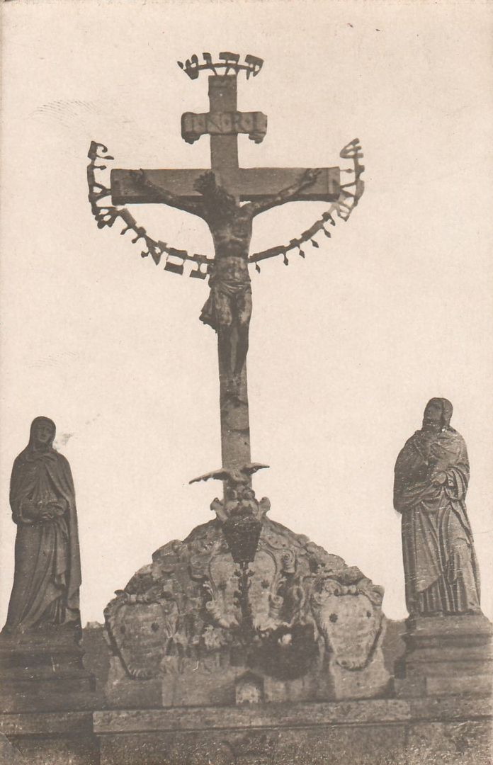 Reach, Zikmund - Kristus na kříži s hebrejským nápisem, Karlův most (Christ on the cross with an inscription in Hebrew, Charles Bridge), gelatin silver print