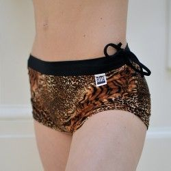 Animal prints shortshttp://siluetyogawear.com/shop/shorts-animal-print/, shorts,Bikram yoga, yoga, pole dance, dance, competition, championship, active wear, fitness wear, swimwear, swimsuit, siluetyogawear, madewithloveforyou, TWERK, workout