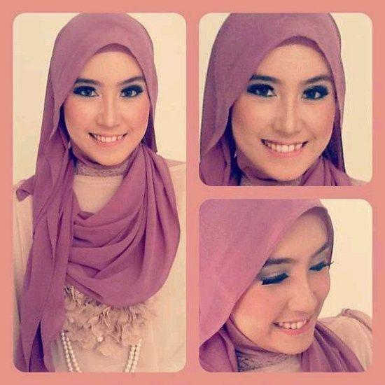 Foulard femme Plus de modèles sur http://www.photohijab.com/foulards/