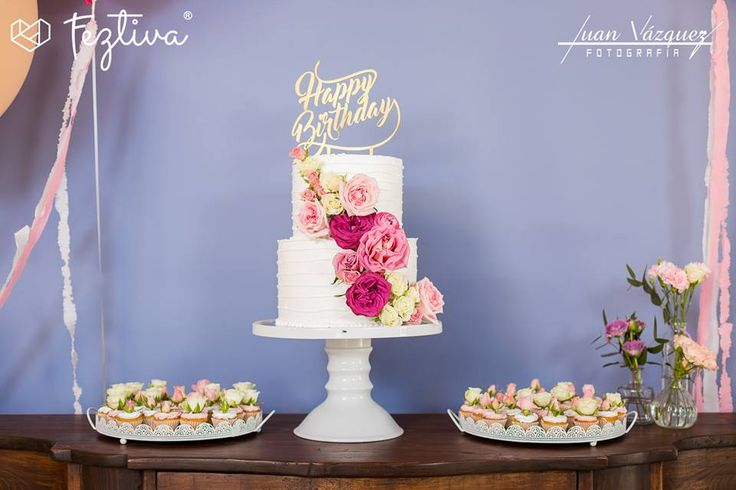 Cumpleaños Diana Cano  Fotografía: Juan Vázquez Fotografía  Pastel de utilería, pastel comestible y barra de postres: Ale Cornejo Repostería  #birthday #cumpleaños #birthdaycake #pasteldecumpleaños #Merida #Yucatan #Mexico