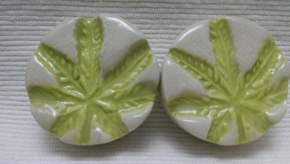 PLUGS GAUGES TUNNELS  1 1/4 32.5 mm Cannabis Leaf by CagwinManchen