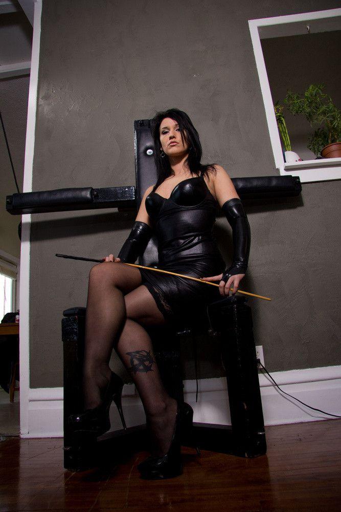 Female domination picture post-9334