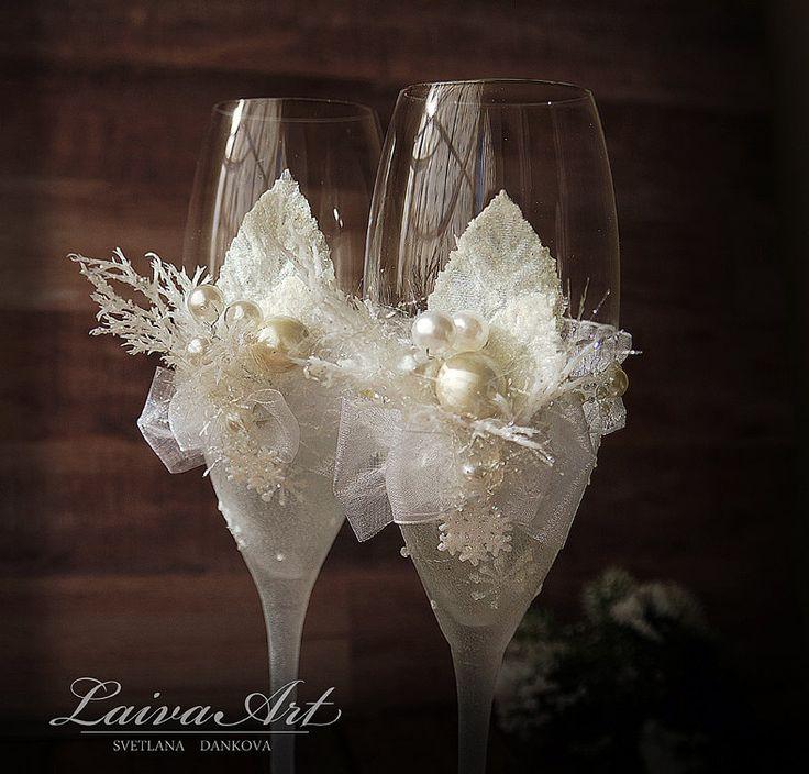 Wedding Champagne Glasses Winter Wedding Christmas Wedding Holiday Wedding Champagne Flutes - pinned by pin4etsy.com