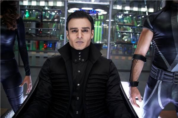 KRRISH 3 STILLS | Hrithik Roshan & Priyanka Chopra in Krrish 3...Vivek Oberoi is also there in the movie....