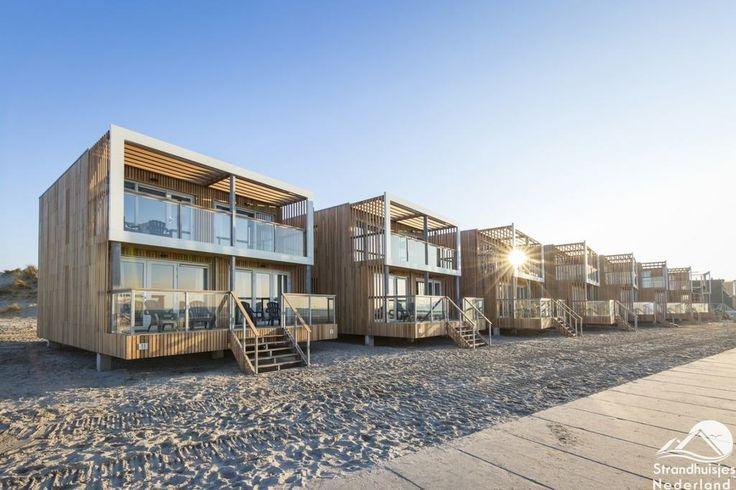 Wakker worden met uitzicht op zee in strandhuisjes van Hoek van Holland? Bijzonder overnachten in een huisje aan zee op het strand. Nieuwe beachvilla's!