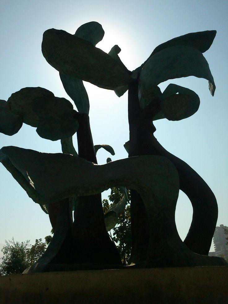 escultura de luz de sol