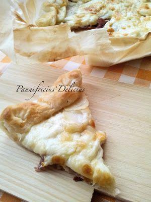 Torta salata speck, patate e formaggio Crucolo saporito