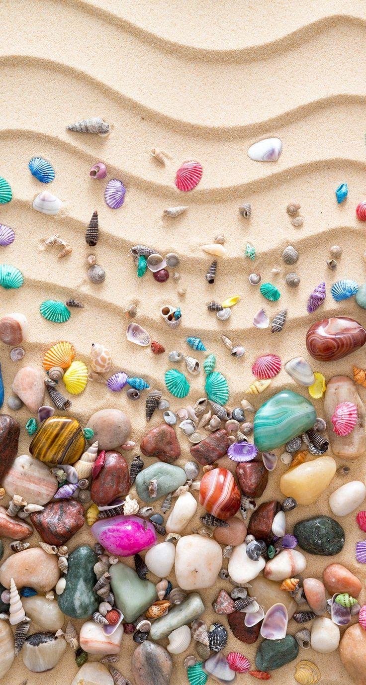 Colorful-Seashell-On-Sand-iphone-5s-parallax-wallpaper-ilikewallpaper_com.jpg (744×1392)