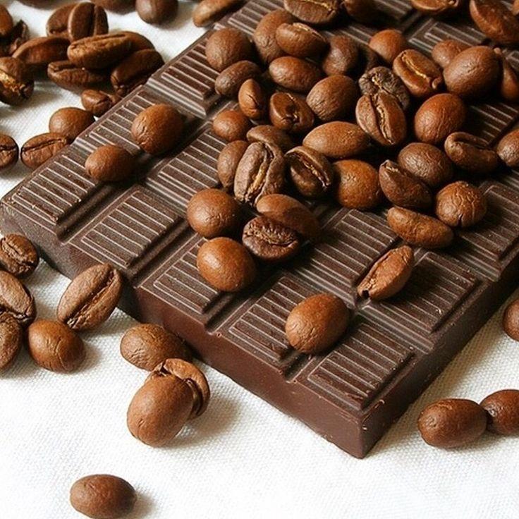 Фестиваль шоколада в Амстердаме. Когда: 6-8 марта 2015 · Где: Амстердам, Нидерланды Интересно, что являясь на сегодняшний день одним из крупнейших в мире портов какао-бобов, Голландия не имеет ни одной шоколадной фабрики. Как отмечают: Большинство ресторанов заранее разрабатывают праздничное меню, в блюдах которого шоколад станет неотъемлемой частью, начиная от супа и заканчивая изумительными десертами. Бары Амстердама предлагают шоколадное пиво. Любителей всевозможных сладостей, как обычно…